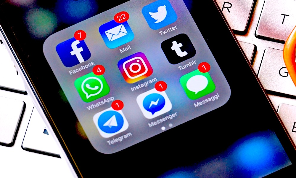 How to Get Rid of the Annoying Red Notifications on Your iPhone Apps