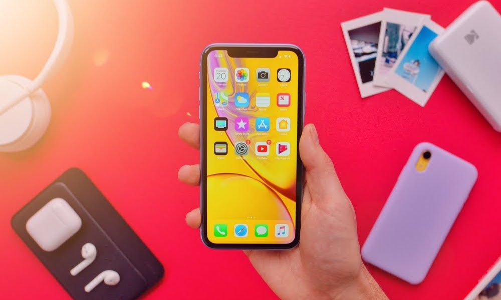 Why Apple's Selling More iPhone XRs Than XS and XS Max' Combined