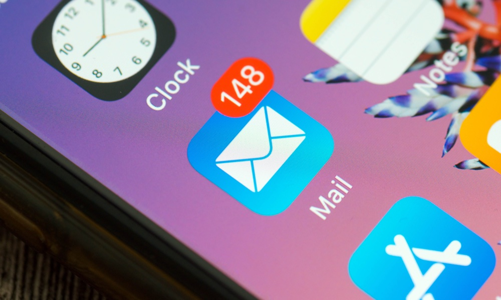 This Hidden Trick Lets You Delete Every Email on Your iPhone at Once