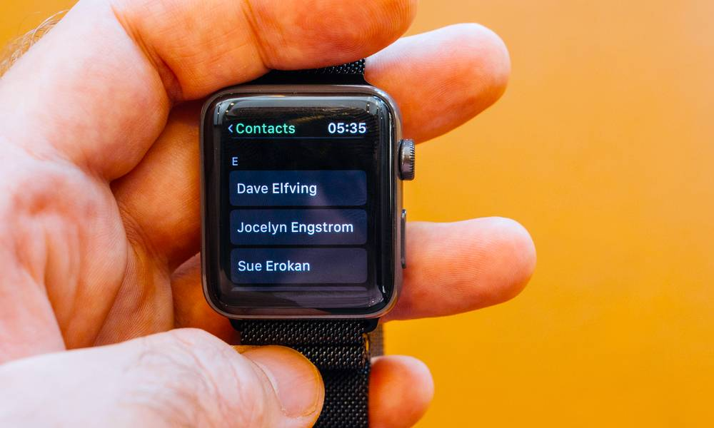 Contact Names Won't Sync to Your Apple Watch? Here's How to Fix It