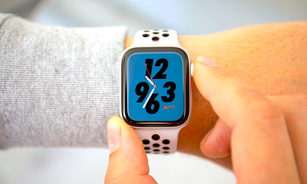 Nike+ Apple Watch Series 4 (44mm) Giveaway