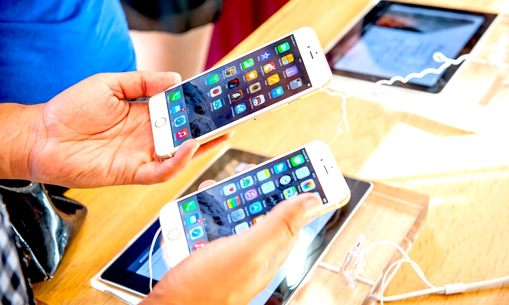 Apple Hit with Another Lawsuit for 'Secretly' Slowing Down iPhones