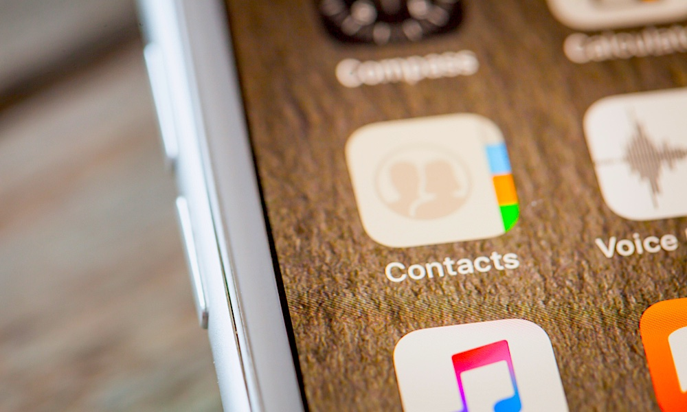 Your iPhone May Be Unsafe Due to a Four-Year-Old Contacts Bug That Hasn't Been Fixed