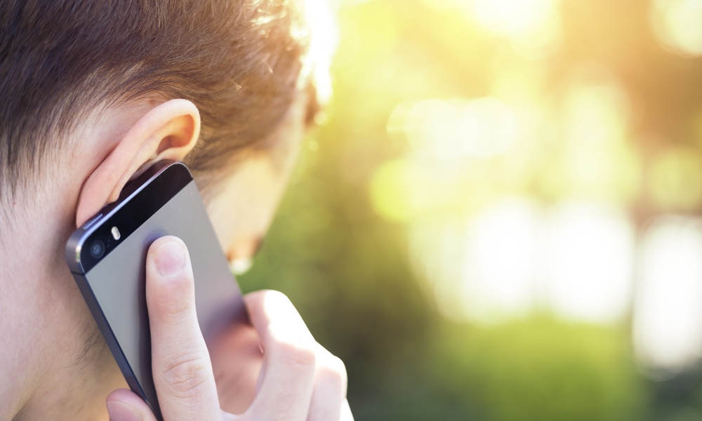 Getting Poor Reception on Your iPhone? Try This Simple Trick