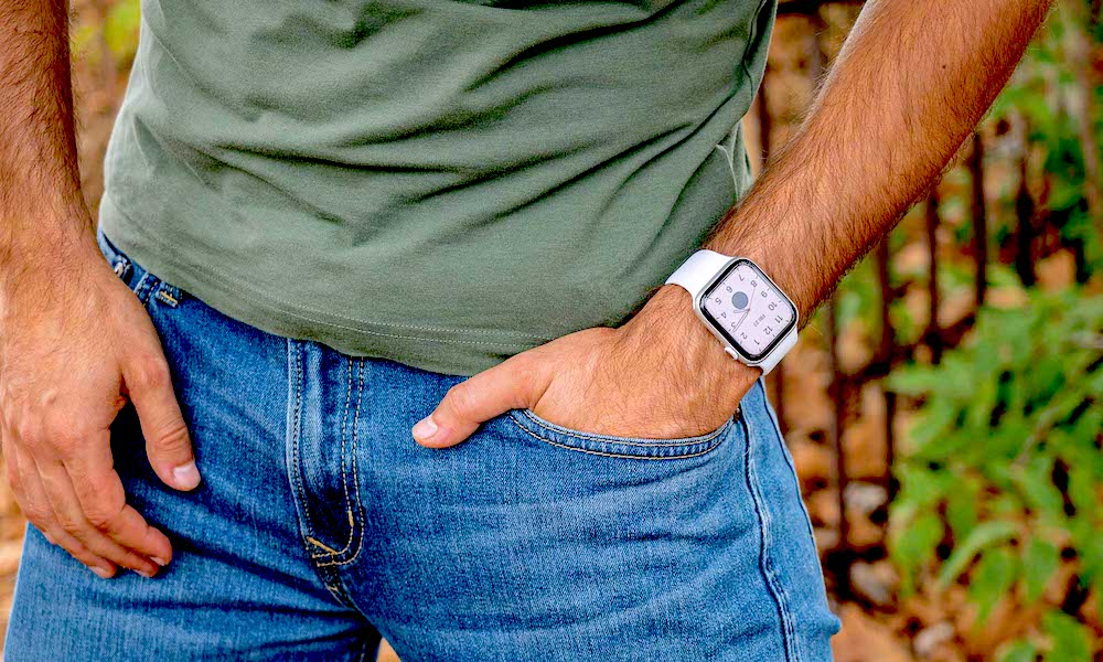 30-Year-Old 'Fitness Fanatic' Says Apple Watch Saved His Life After Detecting AFib