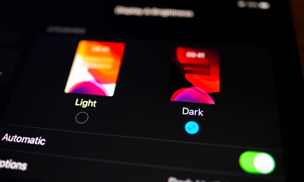 It's Official – Dark Mode Can Significantly Boost Your iPhone's Battery Life