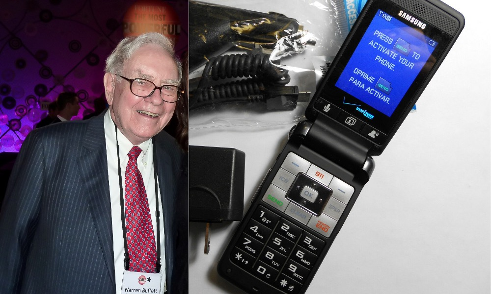 Warren Buffett Finally Traded in This $20 Flip Phone for a New iPhone