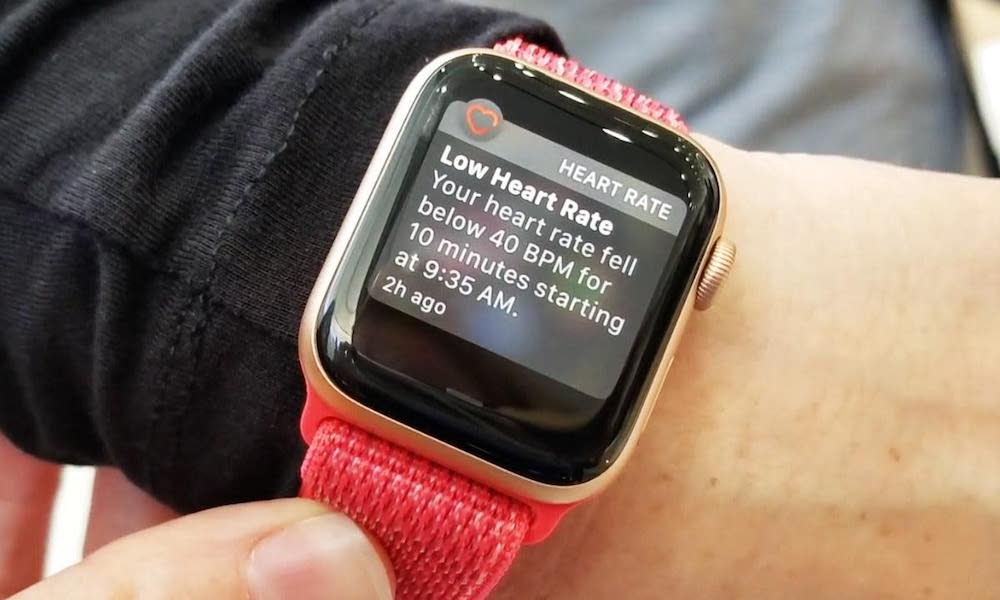 9 Amazing Times an Apple Watch Helped People (and Saved Lives)