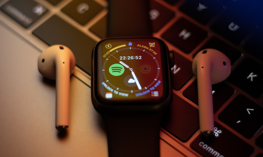 Massive Discounts on Apple Watches, MacBooks for Dad and Grad This Week